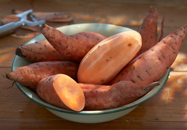 7 Foods That Make You Look Younger_Sweet Potatoes